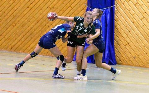 Klare for innsats: Nora Langørgen er tilbake og klar for å gi alt i helgens Lerøy-runde hjemme i Grevlingen hvor Sons jenter 18-lag tar imot Aker og Bodø.