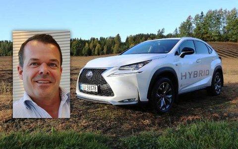KARAKTERBOK: – AutoIndex er vår viktigste karakterbok, sier Robert Smeby, salgs- og markedsdirektør i Lexus Vestfold.