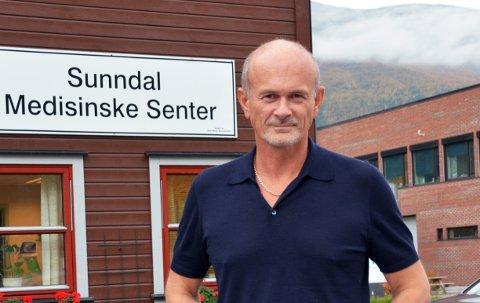 Kommuneoverlege Svein Anders Grimstad følger situasjonen i Sunndal nøye.