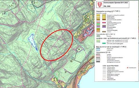 Kartutsnittet viser det forslaget til mulige utbyggingsområder som kom inn på kommunestyremøtet 03.09.2020. En rød oval viser grovt hvor det kan være aktuelt med nytt utbyggingsområde.