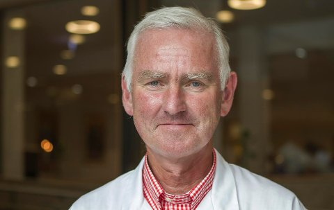 Avdelingsleder ved øre-nese-hals-avdelingen ved Sørlandet sykehus og professor ved Universitetet i Bergen, Sverre Steinsvåg.