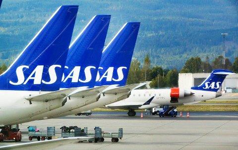 Gardermoen  20170913. SAS fly som står ved gaten på Gardermoen onsdag. Foto: Gorm Kallestad / NTB scanpix