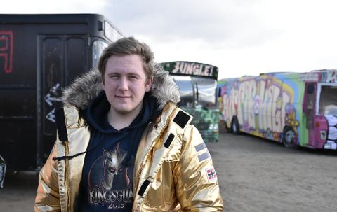 Erling Johan Henriksen (18) og rødrussen reagerer på fristene de fikk fra politiet.