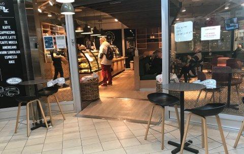Baker Olsen på Trekanten kjøpesenter.