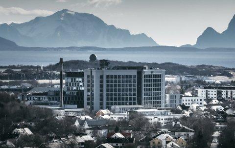 Helikopterlandingsplassen ved Nordlandssykehuset i Bodø er ventet å stå ferdig i andre kvartal i 2021.