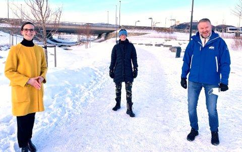 Bente Haukås, Ida Gudding Johnsen og Lars Vestnes jubler over mer penger til myke trafikanter.