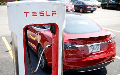 Tesla taper penger på verdensbasis, men i Norge går det bra.