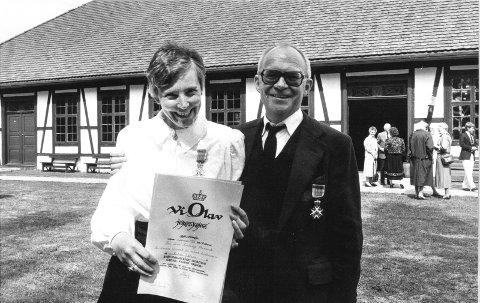 St. Olavs Orden: I 1986 fikk Tone og Kjell Steinsvik St. Olavs Orden. I 2000 ble begge utnevnt til kommandør av St. Olavs Orden. Arkivfoto