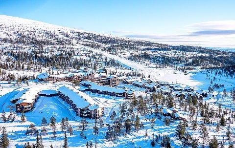 PÅGANG: Hotellsjefen på Norefjell Ski & Spa har god grunn til å være fornøyd: – Dette ser ut til å bli minst like bra i år – kanskje til og med litt bedre, sier han.