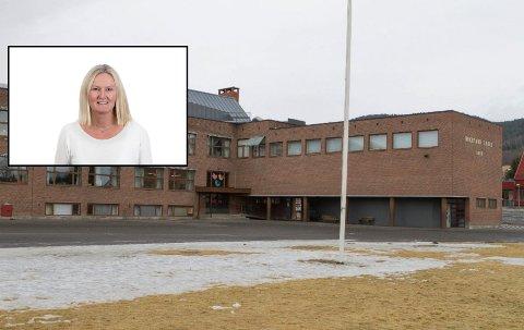 GIKK BRA: Det er påvist smitte ved Hokksund barneskole. Klassen settes ikke i karantene, men hurtigtestes. Rektor ved Hokksund barneskole, Edil Karin Wøien, er fornøyd med hvordan det gikk.