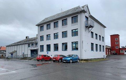 Kommunestyret i Nordkapp møter på rådhuset i Honningsvåg.