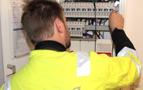 FARLEGE FEIL: Feil på elektriske anlegg fører i verste fall til livstrugande situasjonar i heimane. Elsikkerheit er derfor ei viktig samfunnsoppgåve.