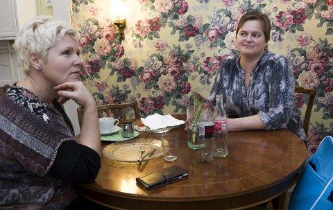 Utfordrende, men bra: Eva Malmstrøm (t.v.) og Hege Sogn Mathisen har forståelse for at et asylmottak kan være utfordrende, men tror det er positivt å ha et mottak i bykjernen med tanke på integrering.  Alle foto: Trond Thorvaldsen