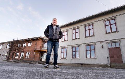 Gleder seg: Tor-Eivind Olsen tar over som ny rektor på Torp etter nyttår. Han gleder seg til å jobbe med skoleutvikling, ny fagplan og en fortsatt forbedring av arbeidet skolen gjør i dag.