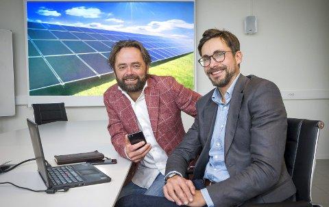 PÅ SOLSIDEN: Lars G. Dysterud Hansen (t.v.) og Bjørn I. Bjørnnes er i ferd med å skrive en solskinnshistorie.FOTO: JENS HAUGEN