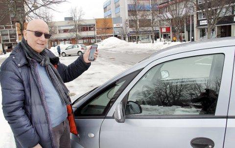 «FEIL» STED: Ifølge betalingsappen til parkeringsselskapet hadde Hans Hansen parkert et helt annet sted enn der bilen vitterlig sto. Dermed fikk han bot.BILDER: SIGMUND FOSSEN