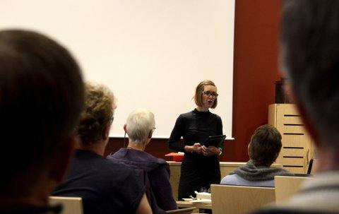 Varaordfører Anne Sletten i Nord-Fron holder appell på Kvinnedagen.