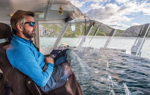 Harald Rune Øvstedal er fjerde generasjons skipper på Gjendebåten. – Eg trur vi må førebu oss på at vi ikkje er ferdige, seier han om koronaen.