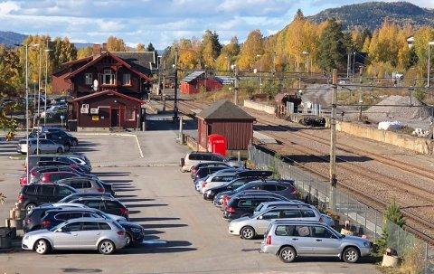 PRIORITERES: Regneringen foreslår investeringer i «kapasitetsøkende tiltak» på Jaren stasjon i neste års statsbudsjett.