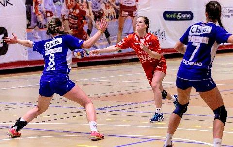 Malene Staal var Haldens klart beste spiller mot Tertnes, mener HAs håndballeksperter.  Foto: Hans Petter Wille