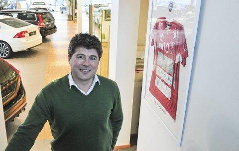 NY SJEF: Nå blir det verken biler eller håndball for Jens-Petter Berget. 1. januar starter han i jobben som leder for den nye avdelingen for samfunnsutvikling i Halden kommune.      – Det gir meg og teamet rundt meg en utrolig mulighet til å jobbe for å utvikle den byen vi er glade i, sier han.
