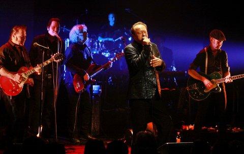 MER GOSPEL: Vidar Busk, Paal Flaata og Stephen Ackles i aksjon der de synger Elvis. Nå står en ny runde med Elvis Gospel for tur.