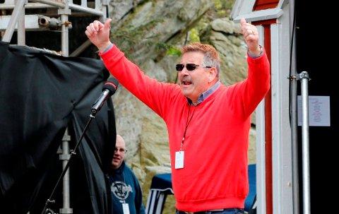 AVLYSER: Festivalsjef Geir Sommerfeldt avlyser SommerGospel i 2019. Her leder han arrangementet i 2015.