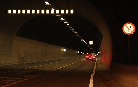 TATT: En fartssynder ble stanset av politiet i Karmøytunnelen søndag.