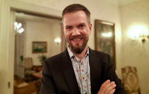 – FOLK ER TAKKNEMLIGE: Bjarte Sørensen er kommuneoverlege i Hjelmeland, men driver samtidig to teststasjoner i Sandnes og Stavanger. Nå får også folk på Haugalandet mulighet til å få gratis hurtigtest, spandert av myndighetene.