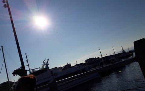 KOKVARMT: Også i Hammerfest har folk nesten svettet bort siden sommeren omsider kom.