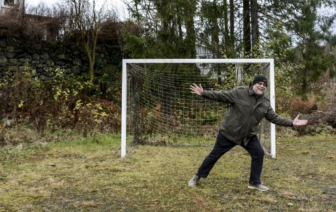 På gamle tomter: Den gamle løkka på Vestheia eksisterer fortsatt. Her på Myra ble det spilt mye håndball på 1960-tallet. Foto: Nico Jørgensen