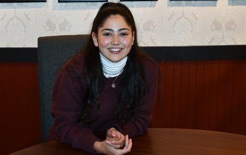 TØFF: Tilflyttar Mirka Prieto (22) har budd mange plassar, men er no hamna på Husnes. Ho likar å vera spontan, og snart blir ho dagleg leiar på ein ny kafé på Stord.