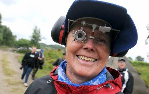 JAKTER MEDALJE: - Jeg har ennå ikke tatt medalje i nordisk mesterskap, sier Målfrid Vannebo. Det blir målet i september for pistolskytteren fra Kongsberg.
