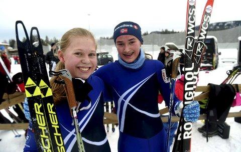 DOBBELTSEIER: skrimjentene Mathea Tegdal (t.v.) og Julie Førli Brunvatne tok dobbeltseier i 14-årsklassen.