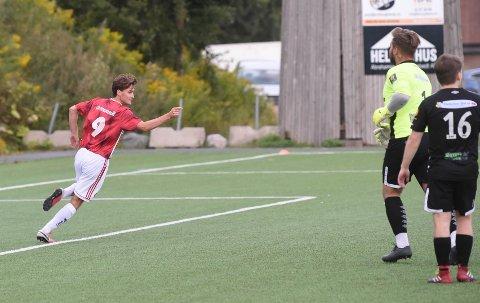 1-0: Jørgen Engerud har rundet av SSK-keeperen og scoret sikkert. ALLE FOTO: OLE JOHN HOSTVEDT
