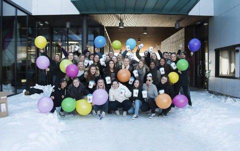 Engasjerte: Russen på Aust-Lofoten VGS skal torsdag denne uken gå med bøsser for Krafttak mot kreft i store deler av Vågan.foto: silje Ingebrigtsen