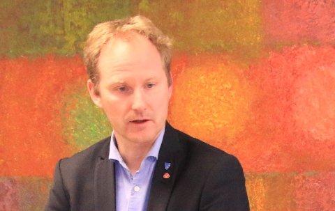 Ordfører i Vestvågøy, Remi Solberg, spør om Nord Universitet har forstått samfunnsoppdraget sitt.