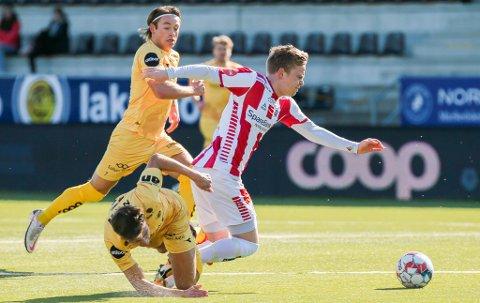 RETT INN: Tomas Olai Totland, som ble hentet fra Sogndal etter 2020-sesongen, debuterer både i eliteserien og for TIL når han starter mot Patrick Berg og Bodø/Glimt.