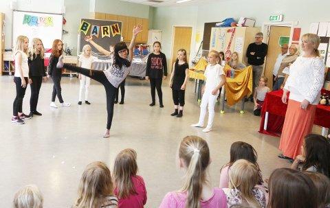 Selvgjort: Disse fjerdeklassejentene hadde lagd danseprogrammet sitt selv. ALLE FOTO: STIG PERSSON