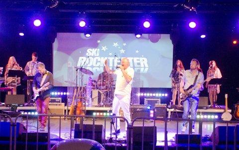Sommerfest: Thorgeir Berger og Ski Rockteater sparket sommeren i gang med en skikkelig hitkavalkade. alle foto: Åsmund Løvdal