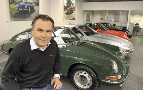 Porsche-ekspert: Espen Olsen har gått fra å være daglig leder for Porsche Center Son til å bli driftssjef for Porsche Classic Center tvers over veien. Et senter som ble innviet 11. mai og som kun er det tredje Porsche Classic-senteret i verden.