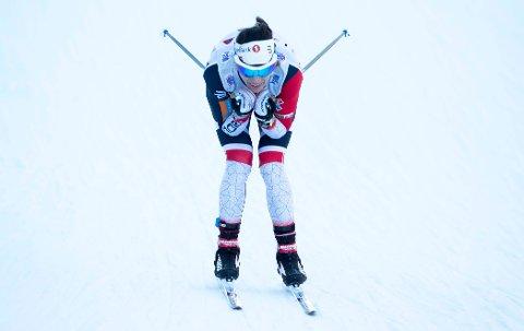 Heidi Weng røk ut under kvartfinalen på tirsdagens sprint i Tour de Ski.