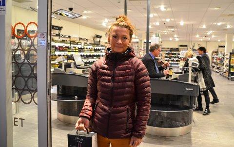 Kari Stene handlet på Vinmonopolet på Ski storsenter mandag kveld.