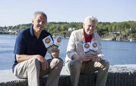 Ut på tur: Tor Gunnar Holt (t.v.) og Tore Fjeldskår i Larvik og Omegns Turistforening oppfordrer folk til å komme seg ut på tur og fylle opp klippekortet i forbindelse med DNTs 150-årsjubileum.foto: roger w. sørdahl