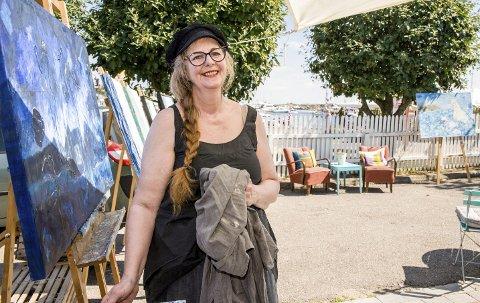 Fra Stavern til London: Ingvill Solberg driver Galleri Sjøfryd sentralt i Stavern. Akkurat nå er hun imidlertid med på London Art Biennale sammen med fire andre norske kunstnere.arkivfoto