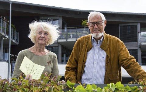 Variert høstprogram: Birgit Hauge i litteraturgruppen og Pensjonistuniversitetets leder Arnfinn Løvaas kan presentere et mangfoldig og variert høstprogram for de 800 medlemmene.foto: roger W. Sørdahl