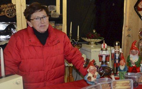 Har det aller meste: Det blir kanskje ikke så mange juleting på Larvik Samlerklubbs messe i Stavernhallen i helgen, men ellers har Ingrid Bjørnsen og de andre utstillerne det aller meste.arkivfoto