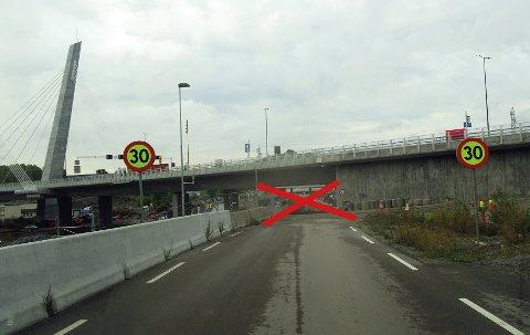 Veien mot Vassvik stenges fra mandag morgen. (bildet er tatt fra Vassvik-siden og inn mot Farriseidet)