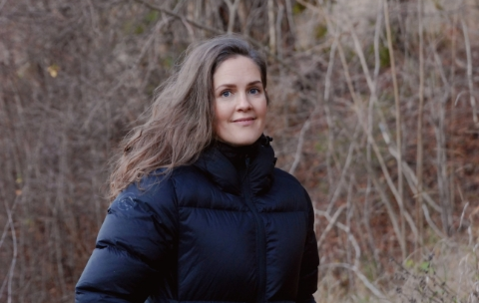 OPPFORDRING: – Det er viktig å si fra til noen når vi ikke har det så lett, sier Maria Skarstein Schytt.