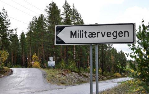 PRIVAT BOMVEG: Militærveien AS eier og drifter den vel seks kilometer lange vegen mellom Skogbygda i Løten og Heradsbygd i Elverum.